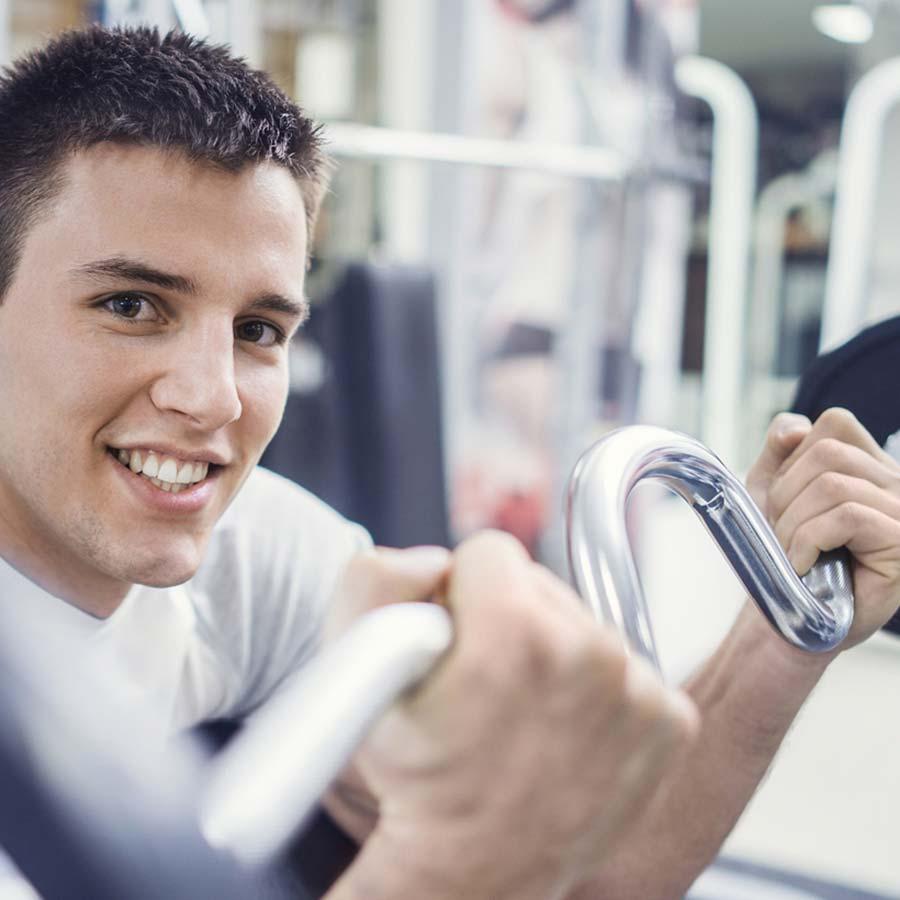 Styrketrening med vekter og frivekter